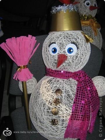 Как сделать снеговика из ниток своими руками поэтапно