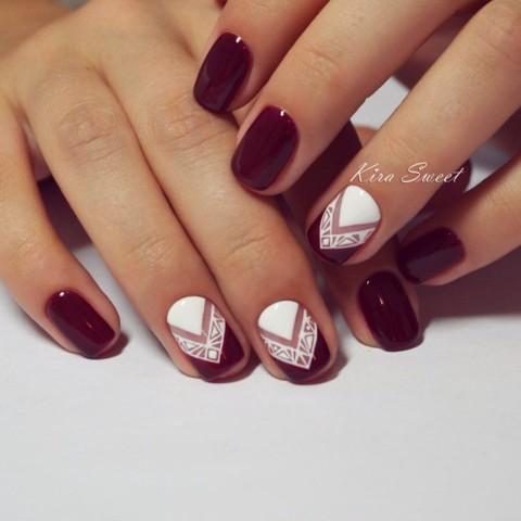 Ногти бордовые с белым