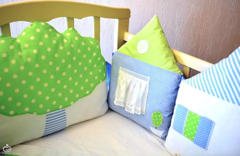 Подушки домики в кроватку