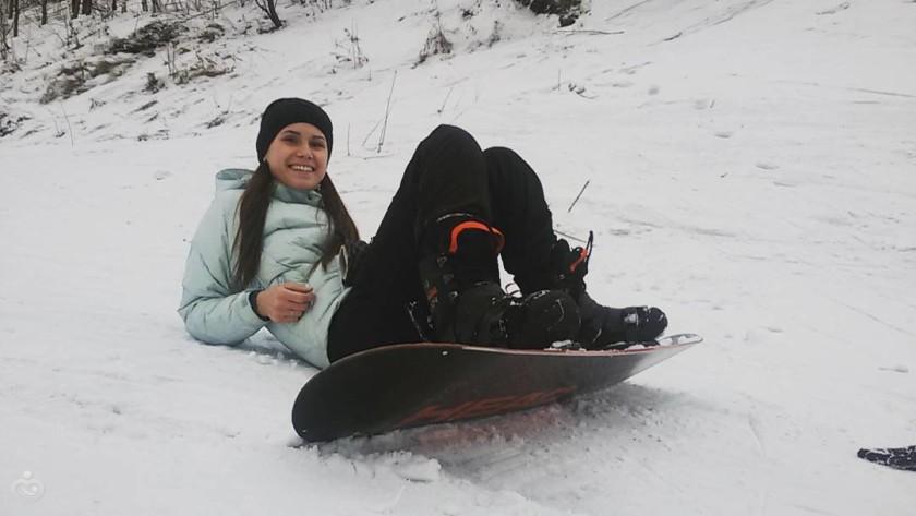 Упал на сноуборде болит колено в каком возрасте давать тибетскому мастифу фондропрепараты для суставов