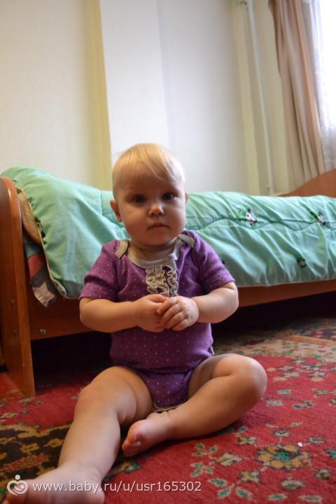 Алисочке 11 месяцев!