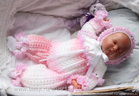 Костюмчик для новорожденного на выписку спицами